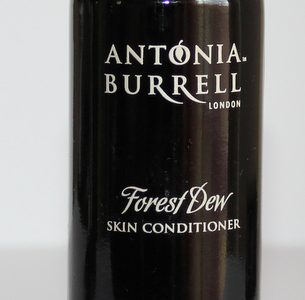 Antonia Burrell Forest Dew skinconditioner