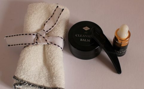 Noer Organics Cleansing Balm, Cloth and Renewal Faciial Oil