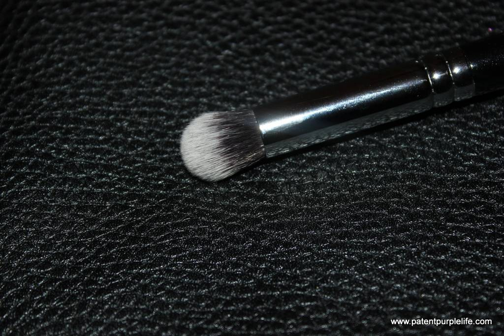 Zoeva 142 Concealer / Buffer Brush