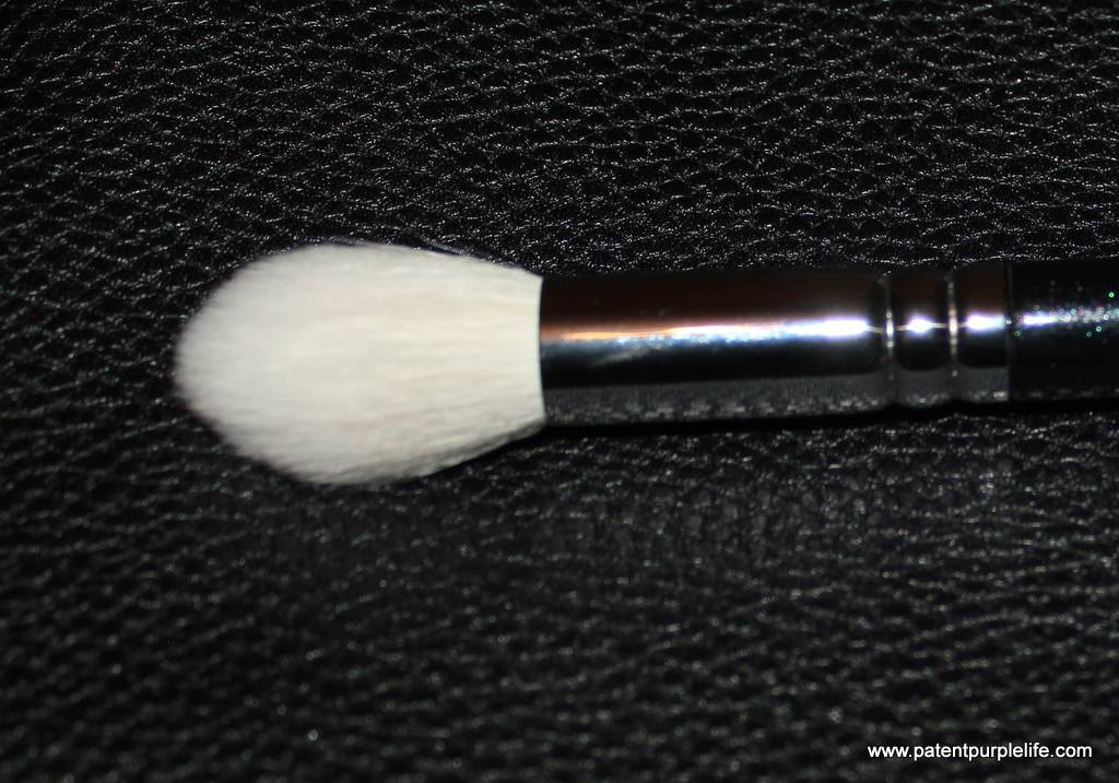 Zoeva 105 Luxe Highlighter Brush
