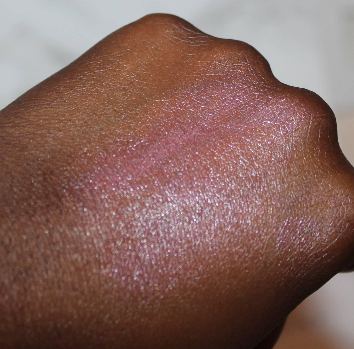 GOSH SS17 Urban Nature Lumi Drops Blusher (Coral) Dark Skin Swatch