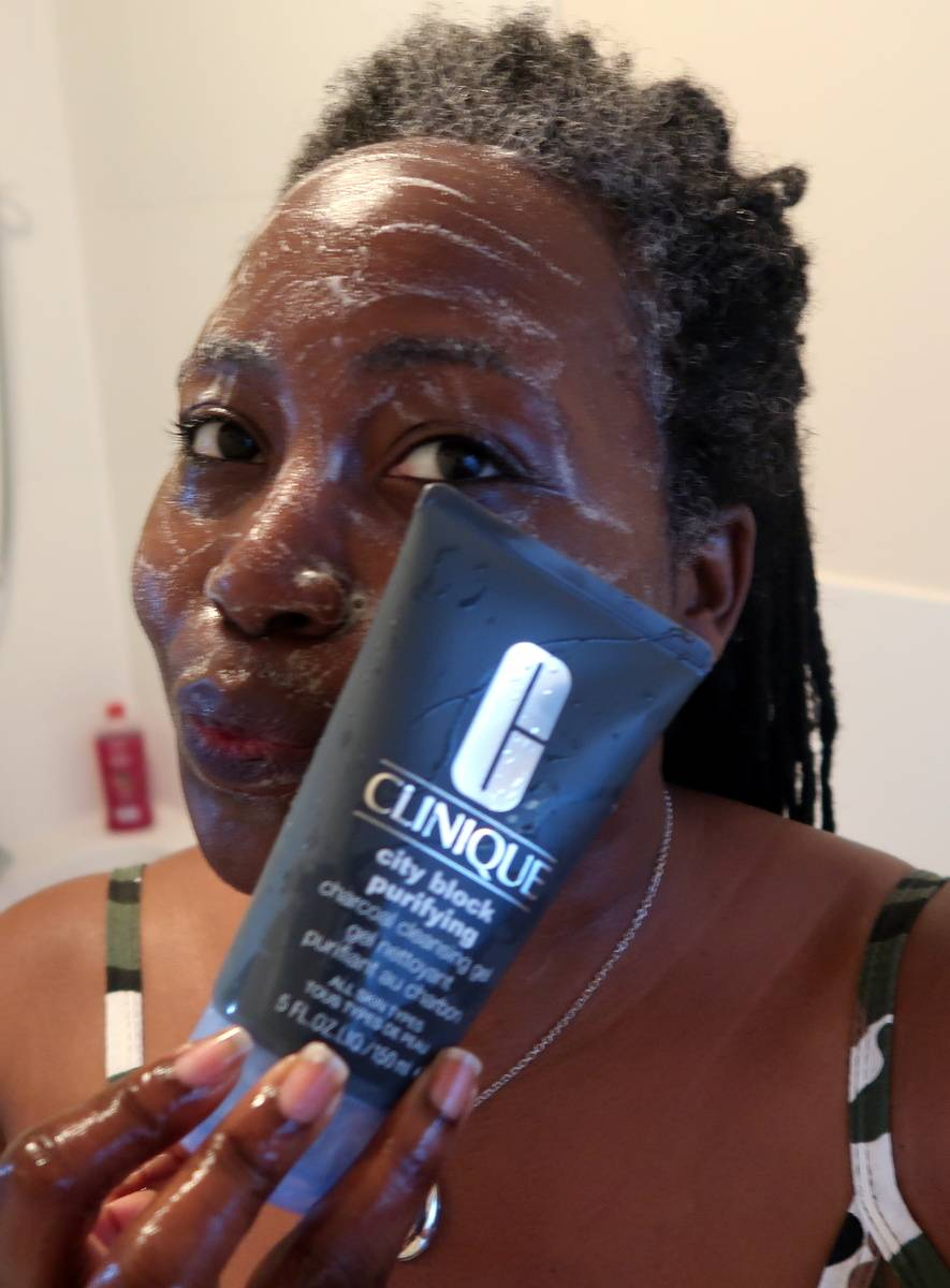 Clinique City Block Charcoal Cleansing Gel